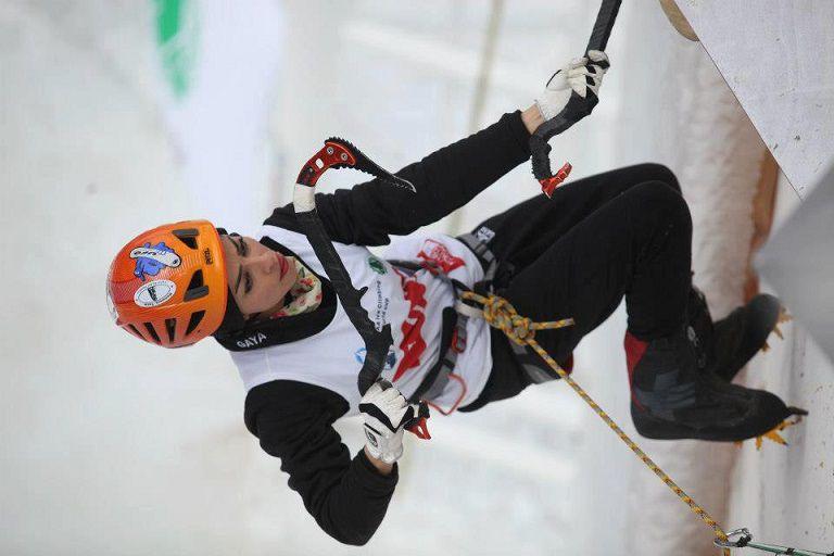 """زهره در حال صعود مسیر مرحله مقدماتی """"جام جهانی یخ نوردی """"- کره جنوبی 2013"""