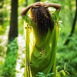 سبز می پوشی , کویر لوت جنگل می شود , عاقبت جغرافیا را هم تو عاشق می کنی ...