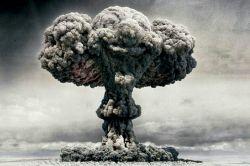 انفجار بمب Atom