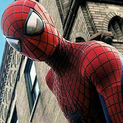 ممل عنکبوتی برمیگردد ...سلام به همه ....کامنت