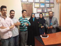 تولد یکسالگی بهاره به عنوان کارشناس آموزش در مجتمع انفورماتیک بین الملل، با حضور مجید، نادر، هاشم، مهندس پورفرخی و خانم جاودانی