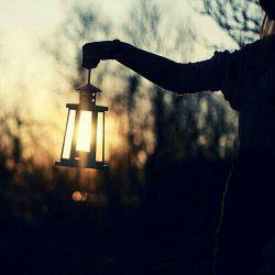 دوستت دارم، حتی اگر قرار باشد شبی بی چراغ، در حسرت یافتنت تمام پس کوچه ها را زیر باران، قدم بزنم...
