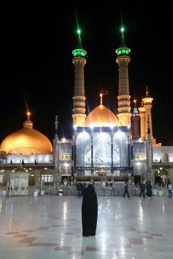 باغ حرم تو گلشن رضوان است ،قم، جلوه ای ازتجلی ایمان است ،بین حرم تو و امام هشتم ،بین الحرمین کشور ایران است