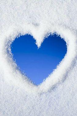 قلبی ک یخ نزد . . . چون عاشق بود . . .
