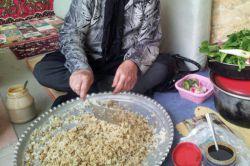 آش ارده غذای سنتی دزفولی که مخصوص روزای بارونیه
