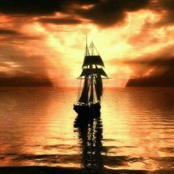 مثله ساحل آرام باش تا ماننده دریا بی قرارت باشند ...:)