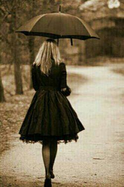 قهرم با دنیایی که بینمان فاصله ای به درازای بی تو بودن انداخت.