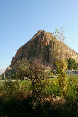 کوه پادیر. یه کوه باستانی خیلی معروف توی تاریخ  و البته فراموش شده ی امروزی... توضیحات بیشتر توی کامنتا...
