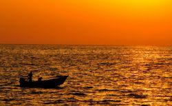غروب آفتاب در سواحل زیبای دریای خزر