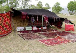 بارز و شوارز - خانه ای چادری (بهون)
