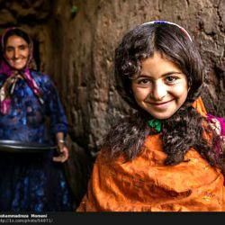 لبخند تورا چند صباحی ست ندیدم ... یکبار دگر خانه ات آباد بگو سیب :-)