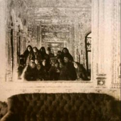 اولین عکس سلفی جهان توسط ایرانیان ادامه در کامنت