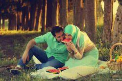 بهشت می تواند کسی باشد که دوستش داری و مهم نیست اگر غروب ها به جای نهرهای شیر و عسل با قرصی نان تازه به خانه بیاید ....