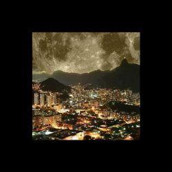 ثبت لحظه نزدیکترین فاصله میان ماه و زمین در ریو دو ژانیرو در بزریل، واقعاً فوق العاده ست