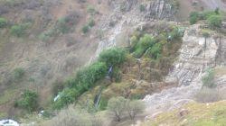 آبشار روستای شوارز - عکاس : علی انصاریان (نیاز)