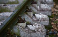 بنای یادبود جالب برای قربانیان کار اجباری زندانیان دراردوگاه کار نازیها در شهر شورته