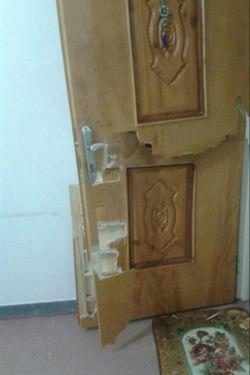 اینم از شکستن درب توسط دزد نامرد