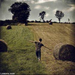 مرزها زاده افکار تو اند......افکارت را وسیع کن و بر دنیا چیره شو...