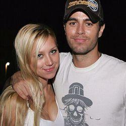 انریكه و انا دوست دخترش