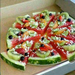 زندگی جونم بعد خوردن ته دیگ به اون خوشمزگی میوه حسابی میجسبد!!!!!!دوستان بفرمایید پیتزا رژیمی!!!!