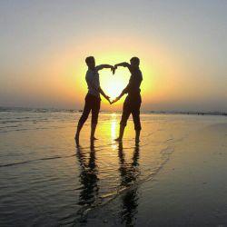 من و دوستم مرتضی  غروب آفتاب بندر عباس
