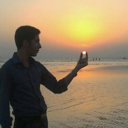 خورشید در دست من