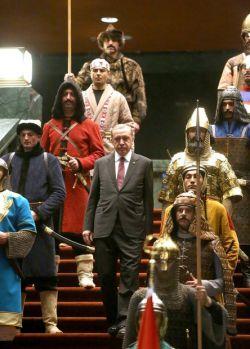 اردوغان گفته سالیان سال،انسان های زیادی برای تأمین نیازهای جنسیشون به ترکیه اومدن ، ما اونها را آموزش دادیم و الآن میلیون ها سرباز داریم که برای ساختن امپراطوری عثمانی عصر جدید کافی هستن!/کامنتها لطفا