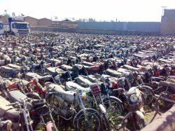 هزاران موتور--این عکسو 4-5 سال پیش از یه پارکینگ تو دزفول گرفتم