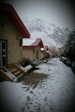 لالان دیروز پر از برف