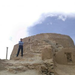 دخمه شهرستان یزد(اگه به یزد اومدین حتما به دخمه برین)