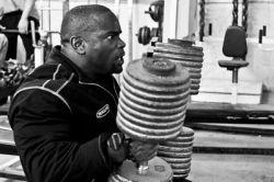 تصویری از جانی جکسون قوی ترین بدنساز جهان