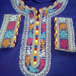 هنرمندی زنان ترکمن روی لباسها
