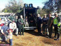 این کودک دچار اوتیسم بود و هیچ همکلاسیای حاضر نشده بود برای تولدش بیاید. اما زمانی که مادرش در فیسبوک کمک خواست، این آتشنشانها، افسرهای پلیس و کودکان محلی، به تولدش آمدند.