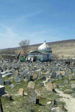 مرقد سه امامزاده روستای سفید چاه هزارجریب ازتوابع بهشهر