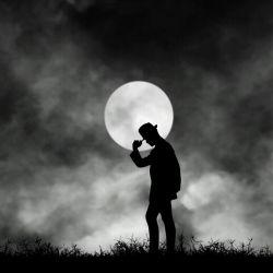 تنهایی یعنی خیلیا در حدت نیستن...