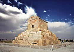 http://fa.wikipedia.org/wiki/پاسارگاد | پاسارگاد | Pasargadae
