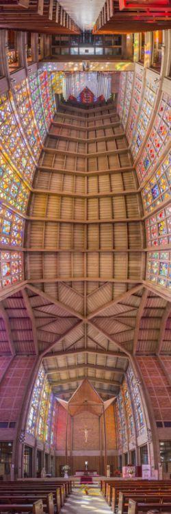 کلیسای Christ our King، یوهانزبرگ، آفریقایی