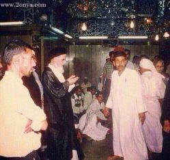 تصویری استثنایی از امام خمینی در حرم حضرت علی (ع)