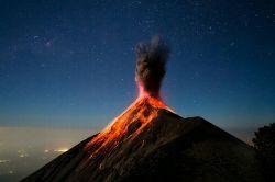 آتش فشان فعال-گواتمالا