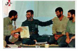 تصویر آقا در کنار شهید احمد کاظمی