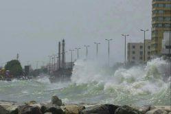خلیج فارس مواج