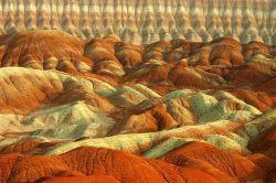 تپه های رنگی حاشیه قم