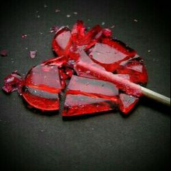 my ♥ broke when I saw her profile picture... it was my name's first letter but I wasn't her object... so painful...