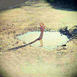↶غـــــرق شــــدن                          تـــــــاوان                               لـحظـــــہ  اے                                             بـــــــود کــــہ                                                            بـــےگـــــــدار                                                                          بــــہ آب زدم↷