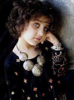 زیباترین چشمای جهان مطلق به این دختر افغانی است! خوشگله نه؟؟