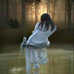 در هر ورق زمان نوشته ام :  به یادت میمانم حتی اگر هزار صفحه از تو دور باشم !