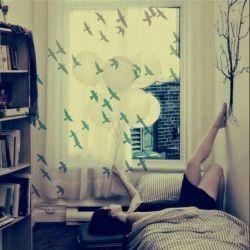 این روزها همه چیز بــــــــــــوی تو را دارد حتی هوا …آنقدر زیاد که دوســـــت دارم …رگـــــــــــــــهایمهم احساســـــت کنند …