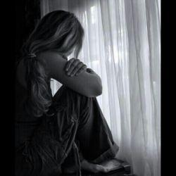 دیگــــــر نهــــــ بحثــــــ میـــــ کنمــــــ نهــــــ توضیــــــحــــ میخواهــــــم ,نهــــ توضیــــــحــــمی دهـــم نه دنبــــــال دلیــــــل میگــــــردم فقطــــــ میـــبینمــــ ,سکــــوتــــــ میـــ کنـــم و فاصلـــــه میـــ گیــــرم ...