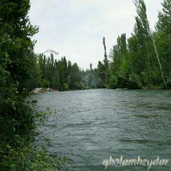 زاینده رود ، حوالی شهرستان چهارمحال و بختیاری (عکس از خودم :))