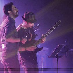 عادل روح نواز... نوازنده الكتریك گیتار گروه كنسرت رشت❤️